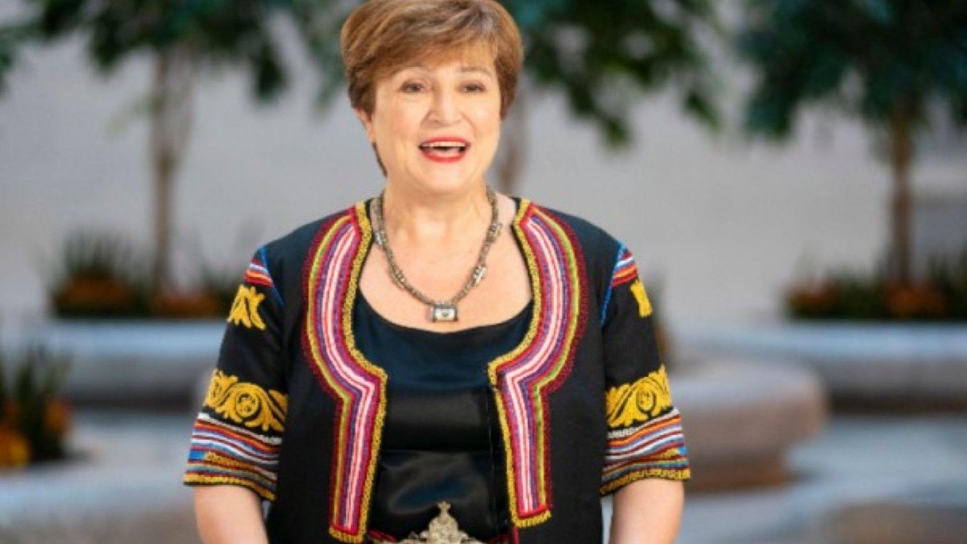 Служителите на Световната банка са изпратили Кристалина Георгиева към новата й работа с хоро