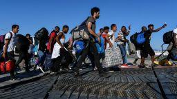 В Северна Македония откриха 45 мигранти, натъпкани във ван
