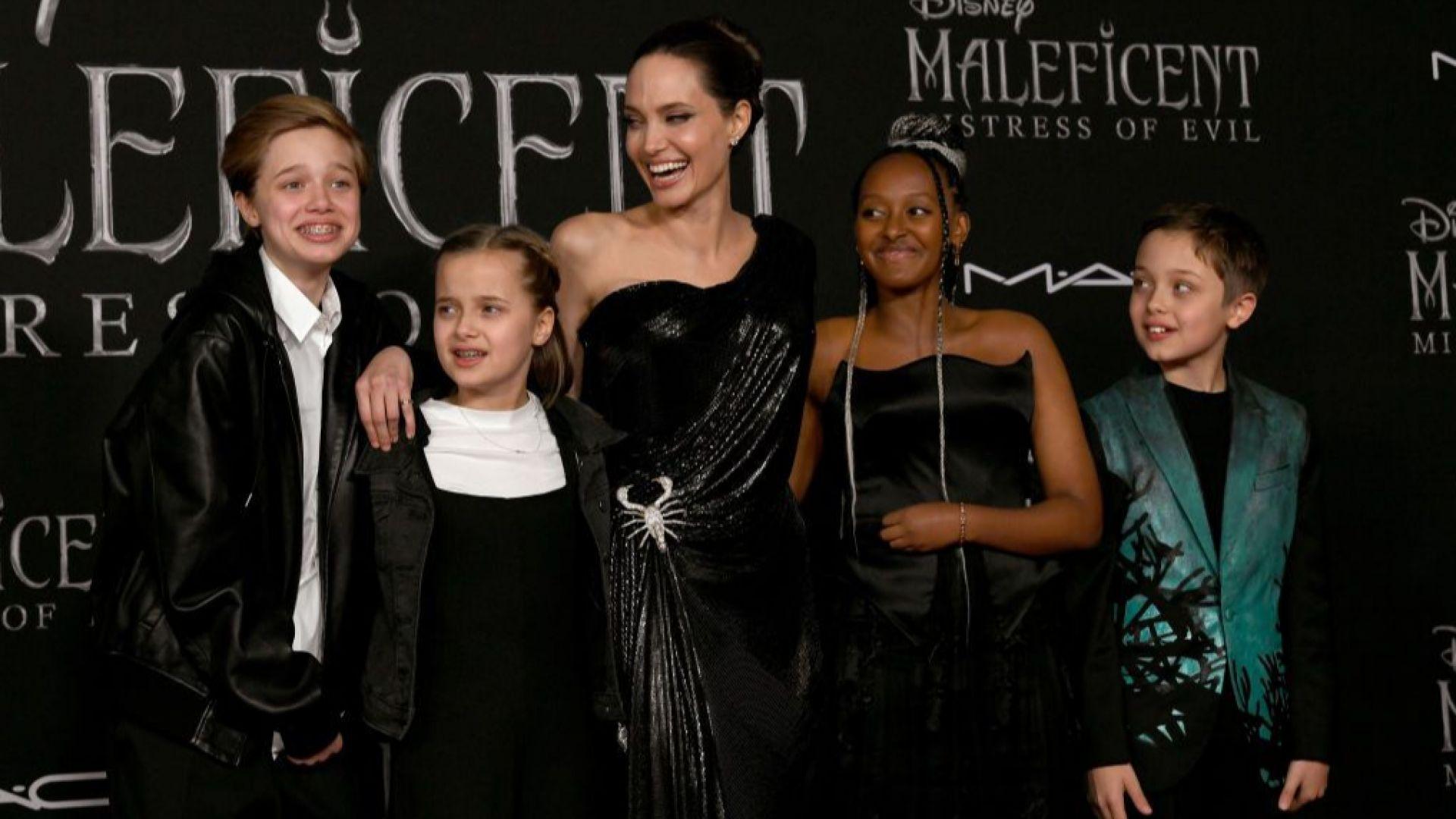 Анджелина с децата си - Шайло, Вивиан, Пакс, Захара и Нокс
