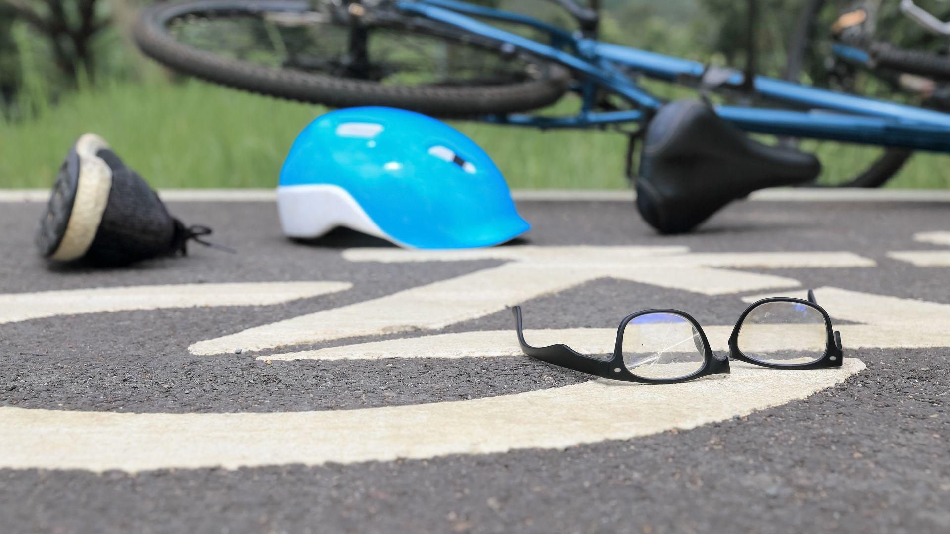 Катастрофа между велосипедисти във Варна, единият е с опасност за живота