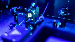 Американски физици охладиха молекули до редордни нива