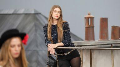 Chanel с нова фина женственост по парижките покриви