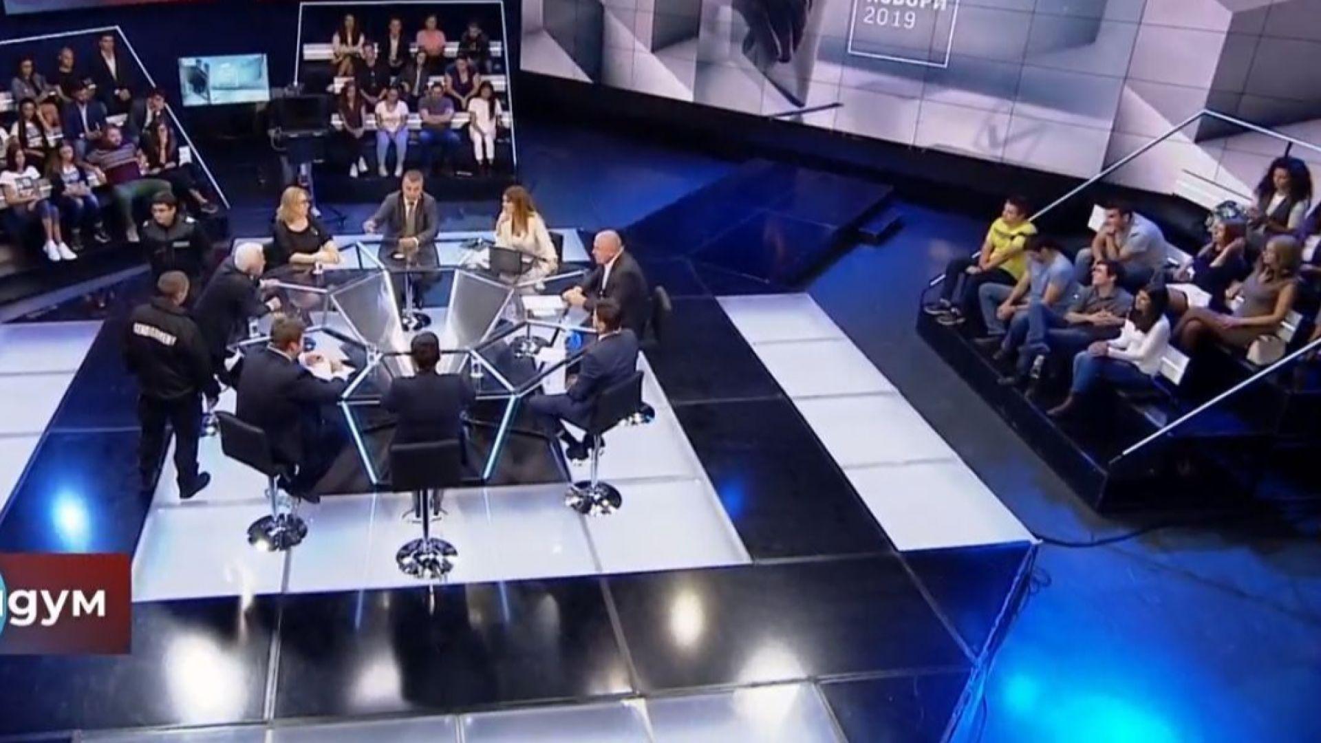 "Изведоха принудително Волен Сидеров от студиото на ""Референдум"" по БНТ (видео)"