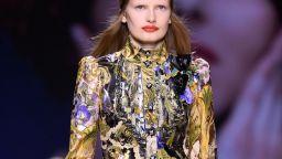 Louis Vuitton закри с дръзки принтове и ярки цветове Седмицата на модата в Париж