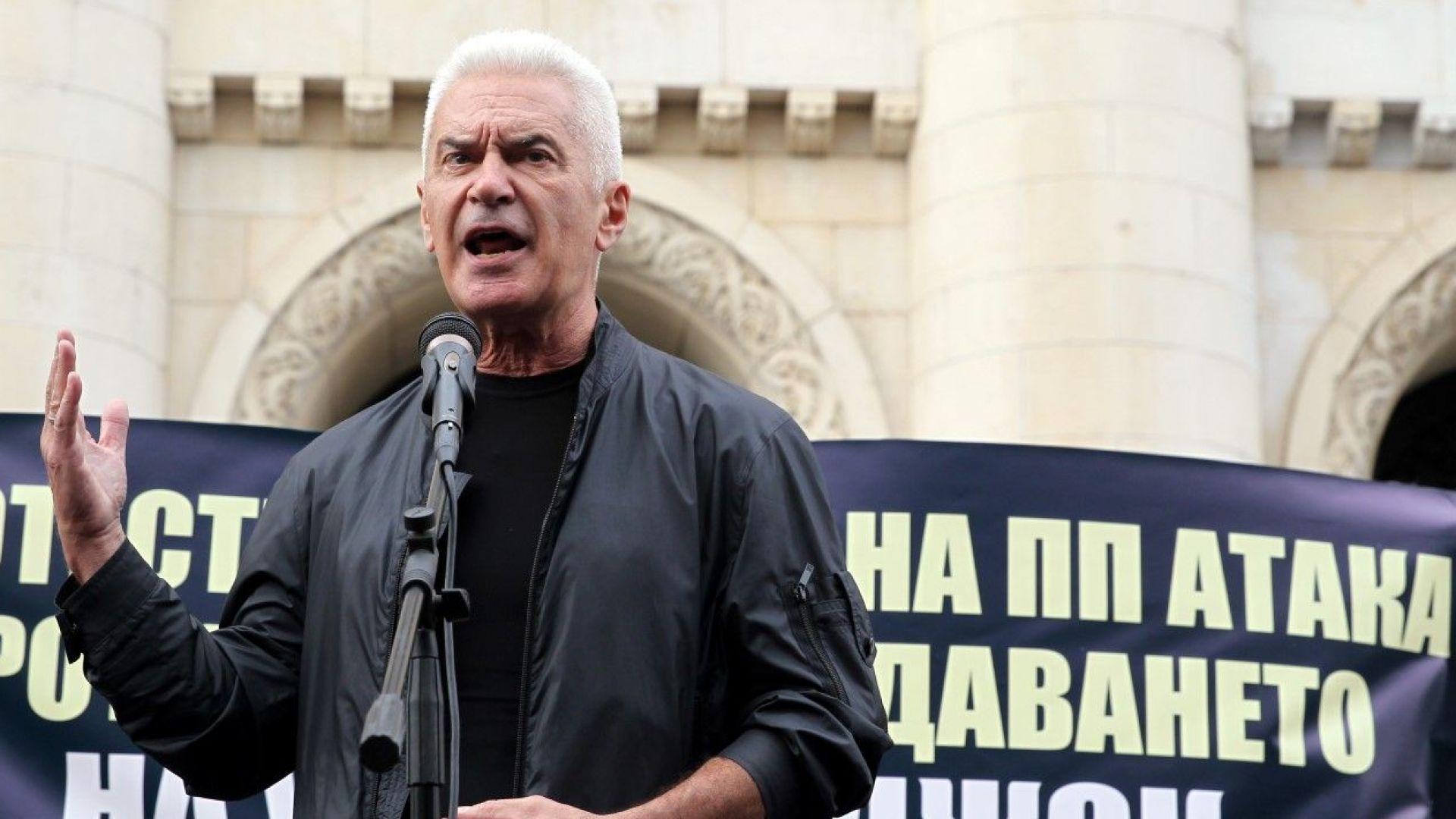 Волен Сидеров се кани да заведе дела срещу БНТ