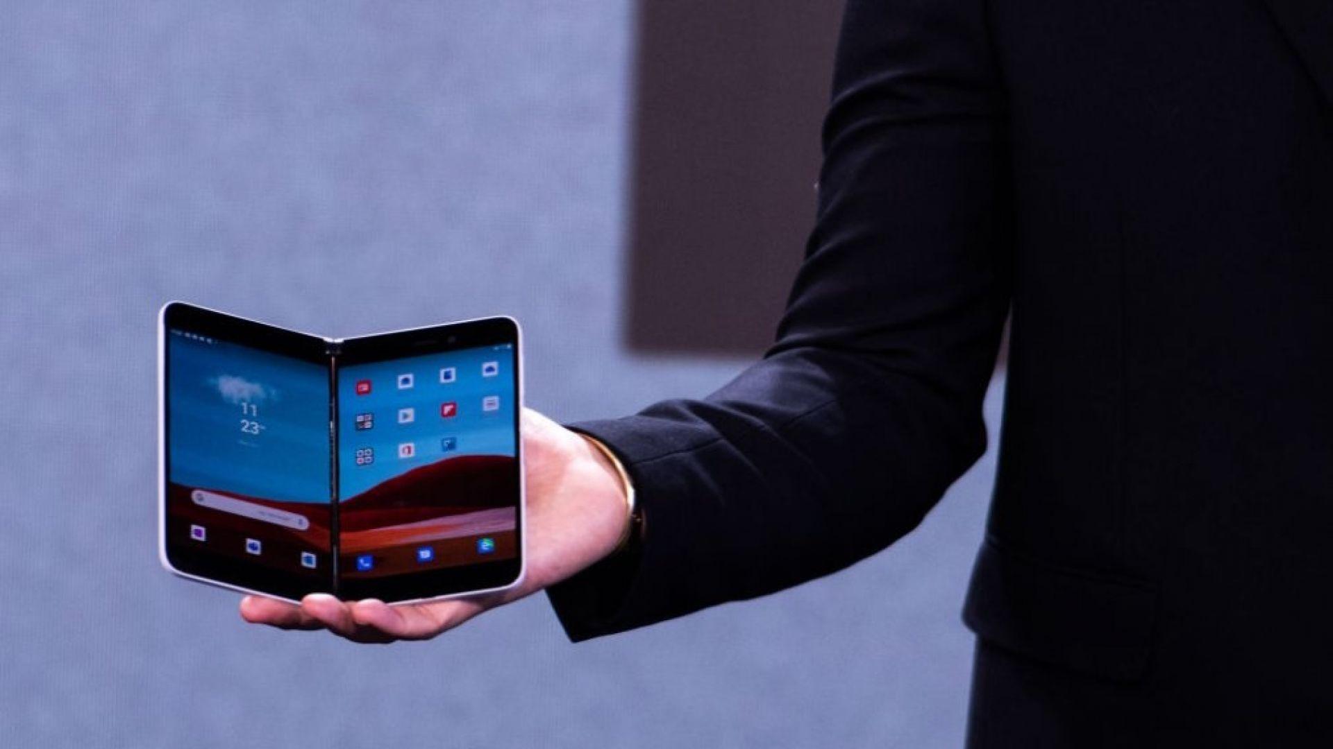 Microsoft пуска смартфон с два екрана