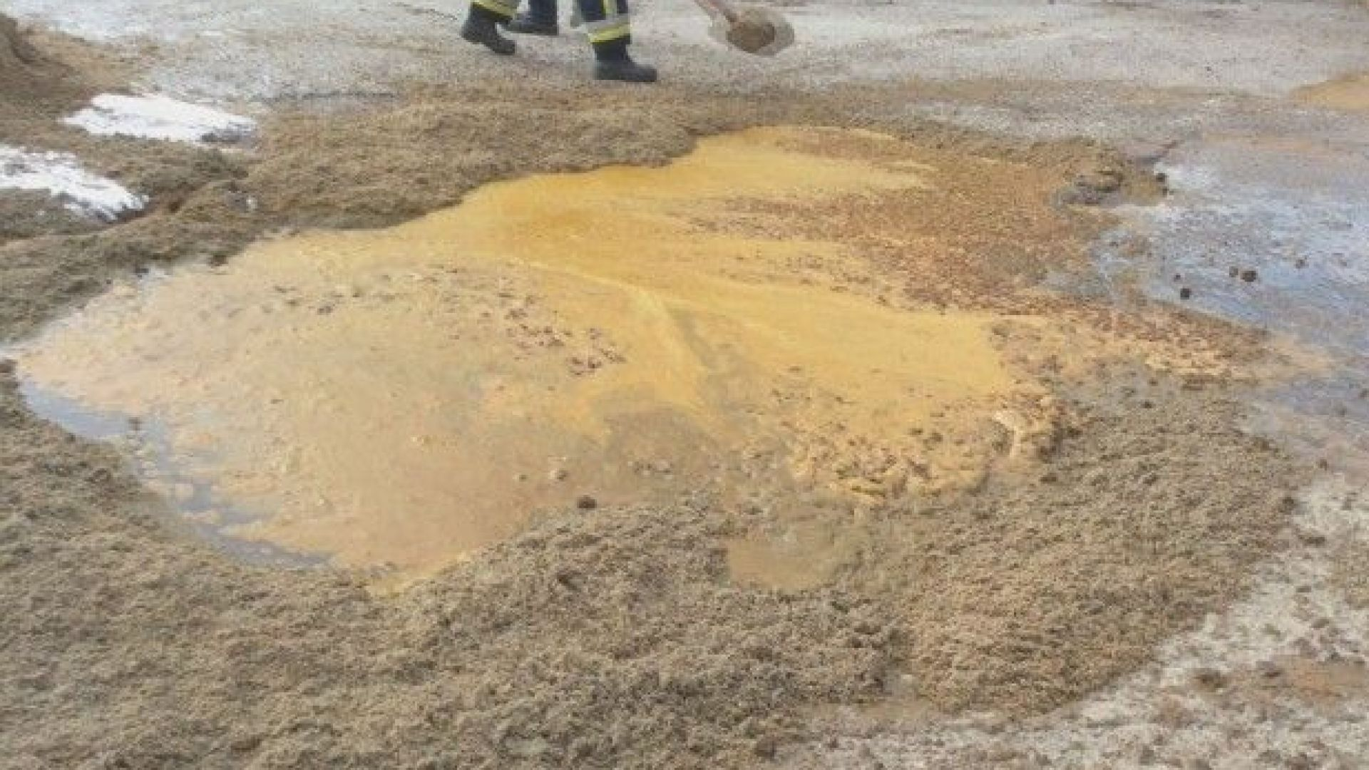 Цистерни разляха железен хлорид в района на Кремиковци