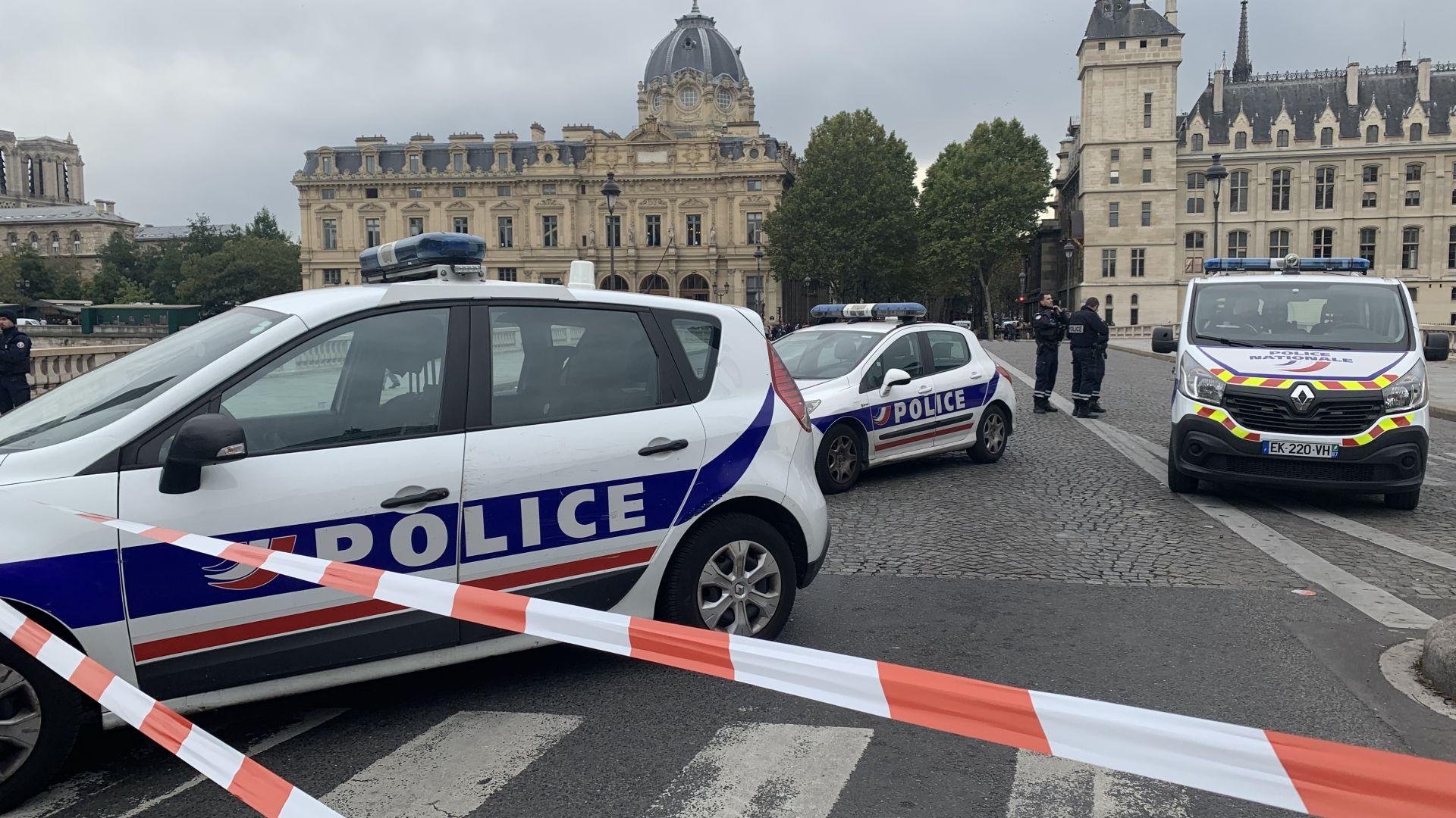 Нападателят в парижка префектура приел исляма още през 2008 г.