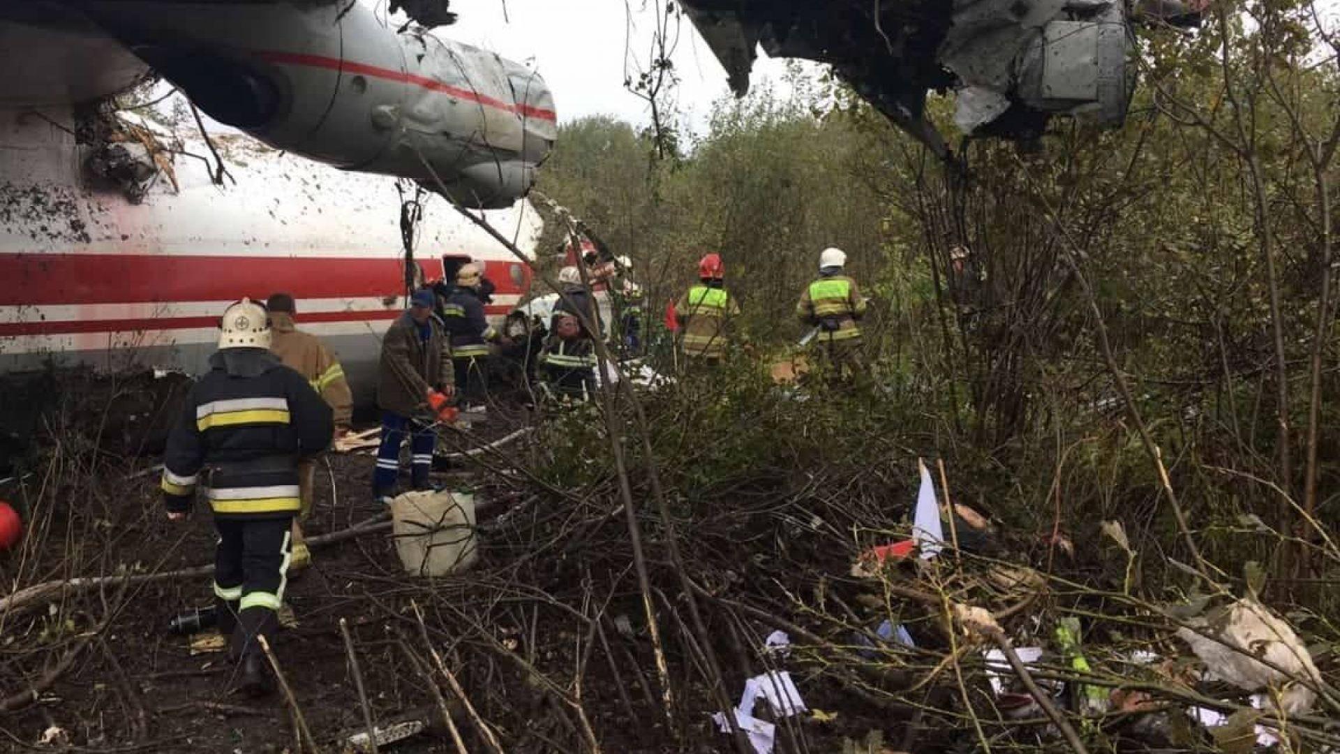 Авиодрама в Украйна: 5-има загинаха при аварийно кацане на Ан-12