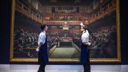 12 милиона долара за картината на Банкси, изобразяваща британските депутати като шимпанзета
