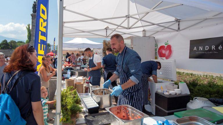 """Шеф Андре Токев бе един от участниците във """"Фестивала на розовия домат"""" през септември."""