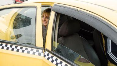 Мая Манолова се срещна с таксиметрови шофьори и пое 5 ангажимента