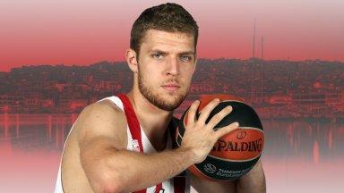 Везенков игра едва две минути за Олимпиакос в Евролигата