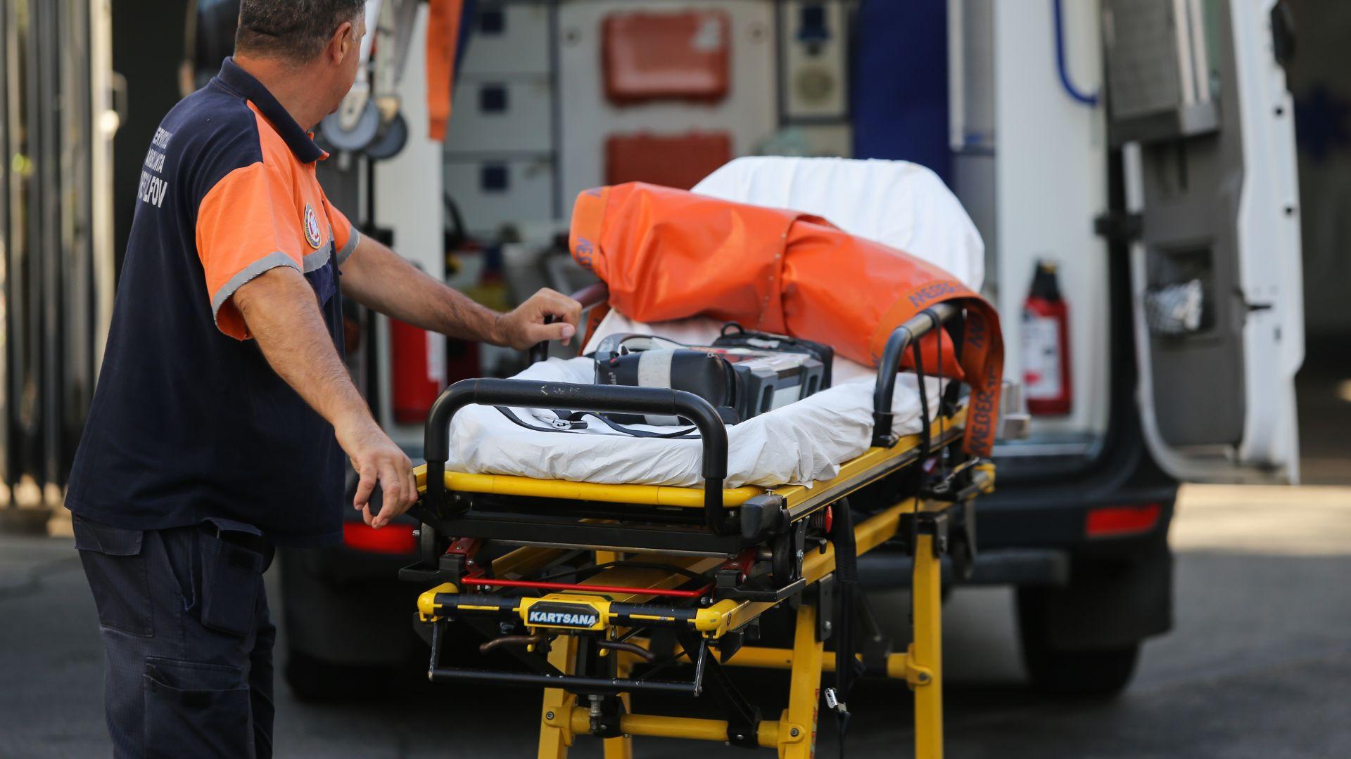 10 души загинаха при челен сблъсък между тир и микробус в Румъния