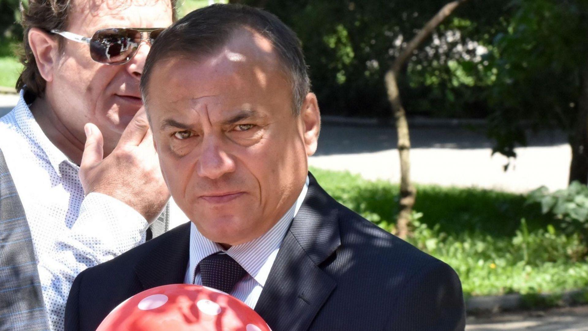 Антон Коджабашев: Клубове фантоми държат федерацията по щанги на власт