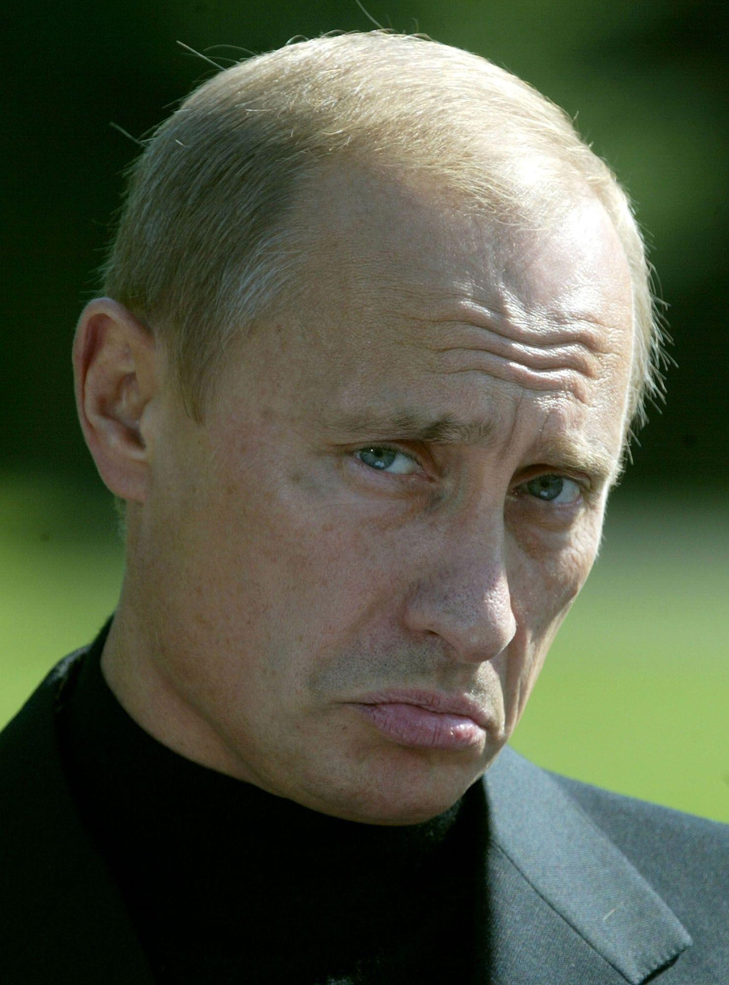 27 септември 2003 г. - Владимир Путин на съвместен брифинг с Джордж Буш в Кемп Дейвид, Мериленд.