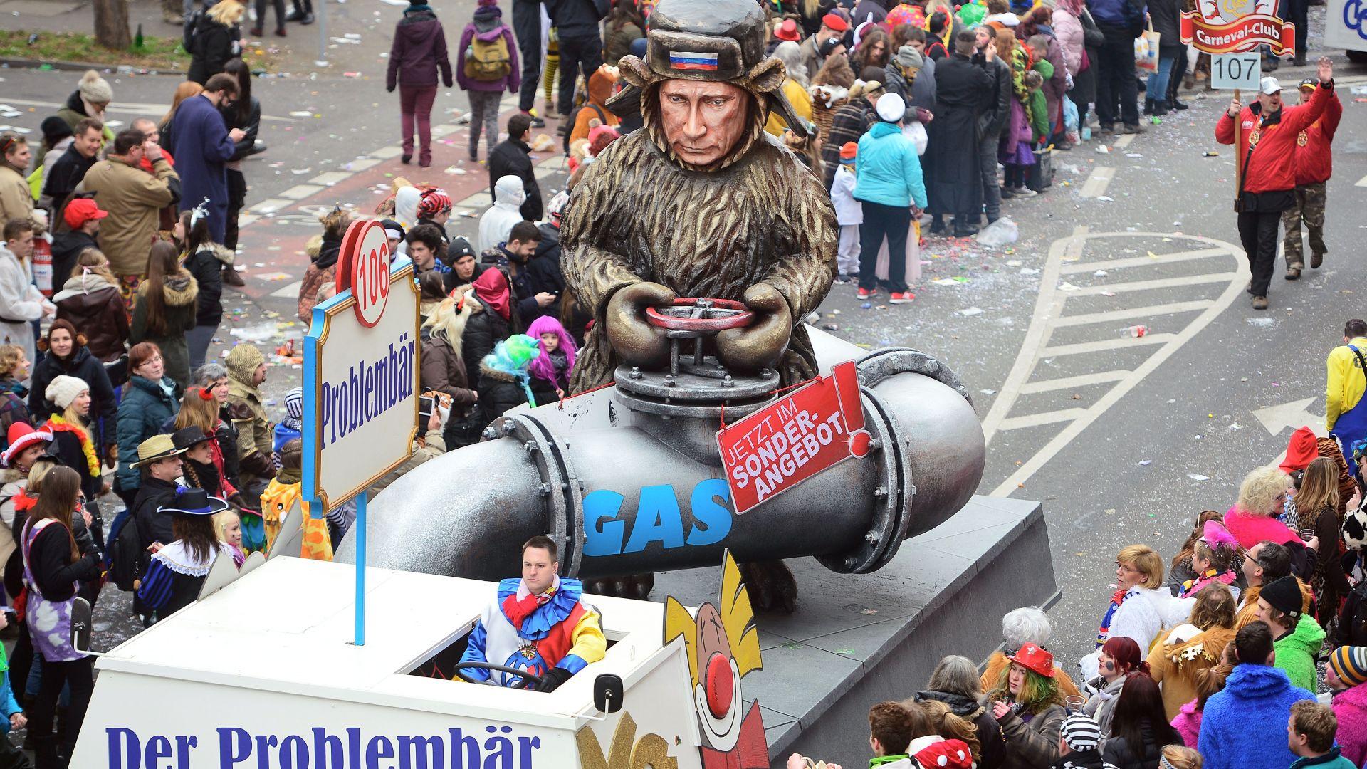 Големият газов проект на Путин доби форма