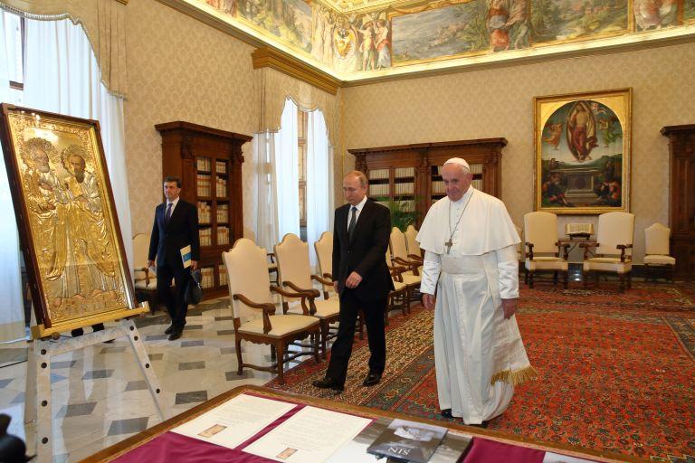 4 юли 2019 г. - Владимир Путин се среща с папа Франциск във Ватикана.
