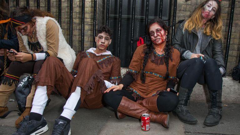 """Зомбитата """"превзеха"""" Лондон  (снимки)"""
