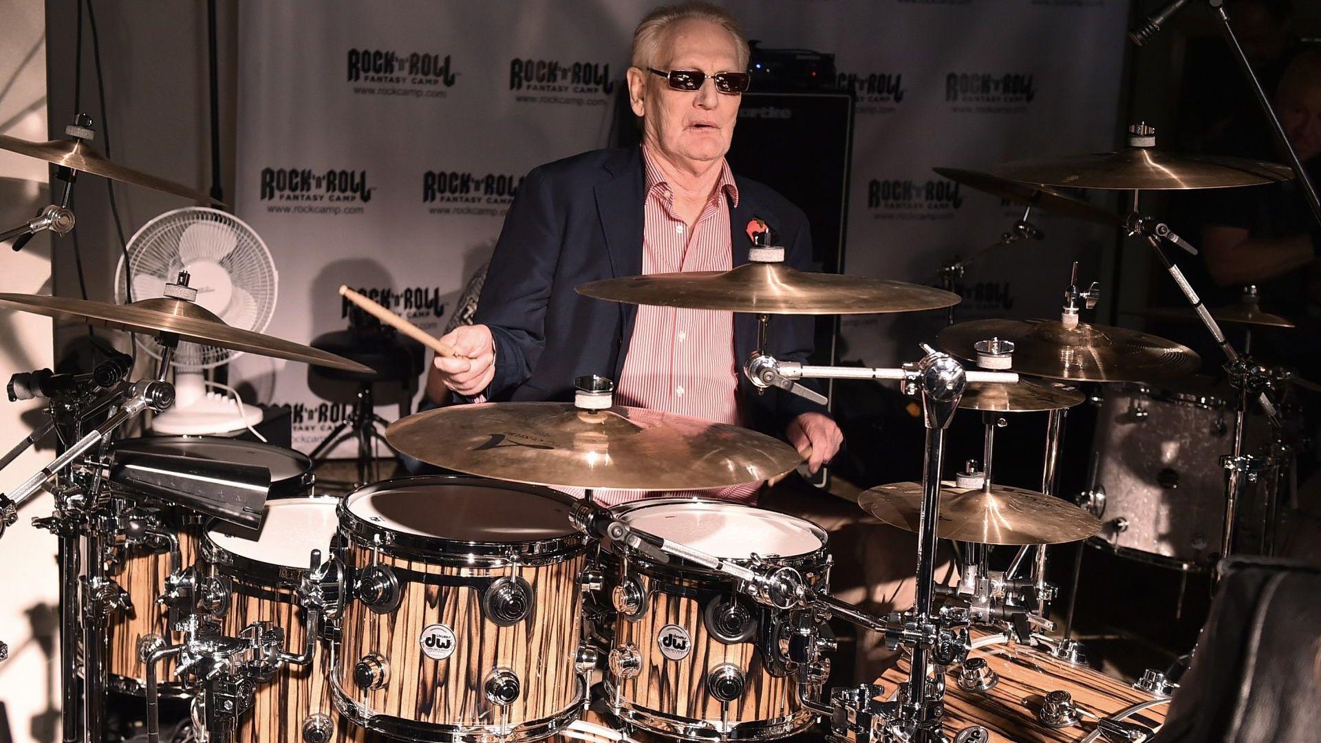 Отиде си първият барабанист-суперзвезда в рока Джинджър Бейкър