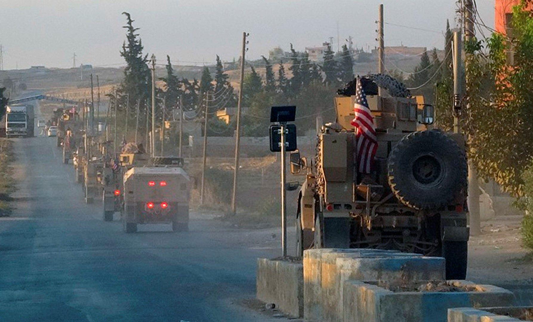 Американските сили и бойна техника се изтеглят от Североизточна Сирия, 7 октомври