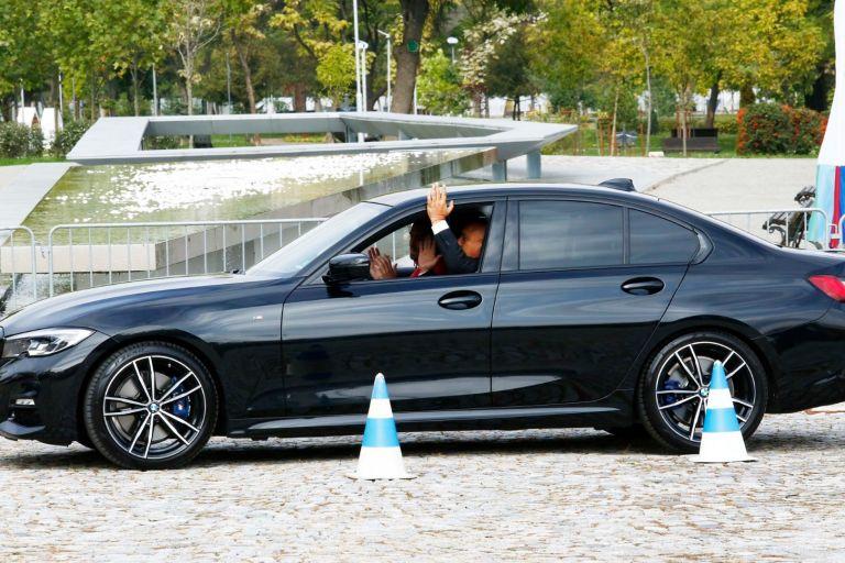 Премиерът изпробва технологията на един автономен автомобил