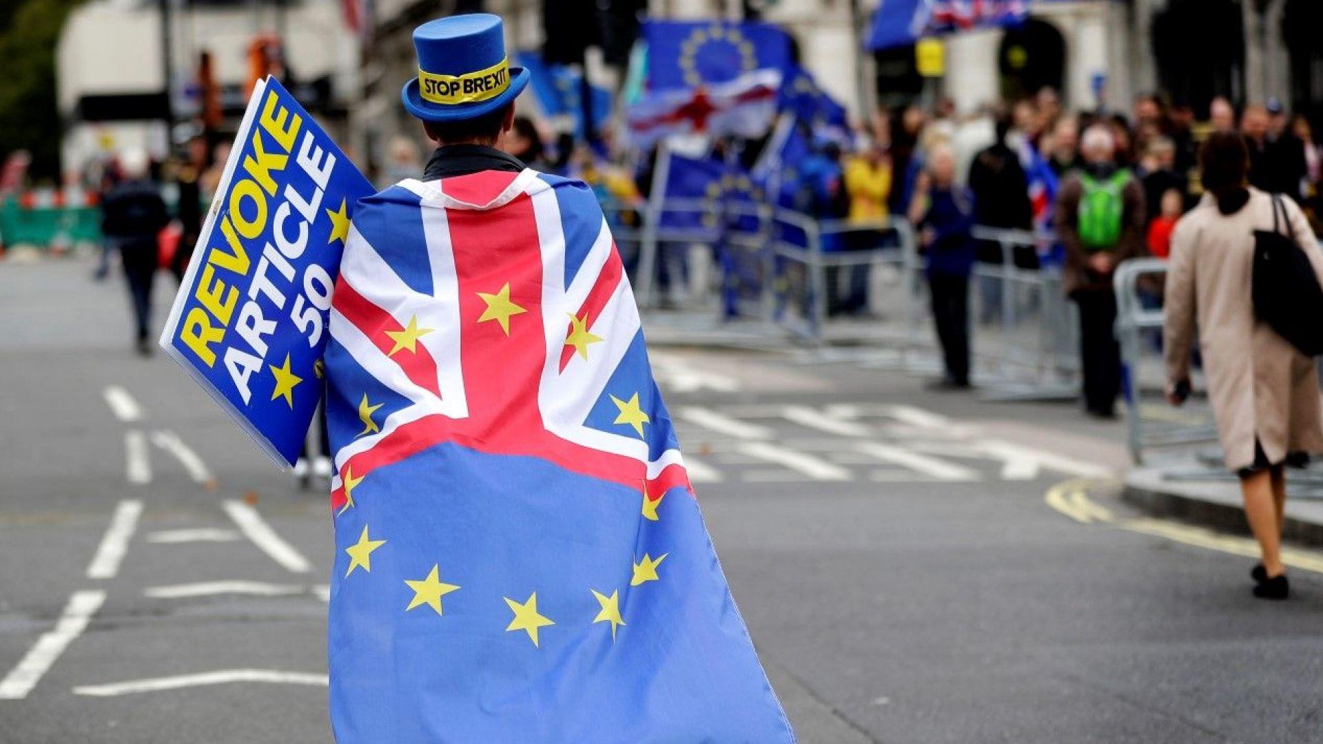 Туск обвини Борис Джонсън, че си играе с бъдещето на Европа, Меркел почти отписа сделка с Лондон