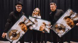 Hooverphonic пристигат за първия си концерт с новата си вокалистка в София