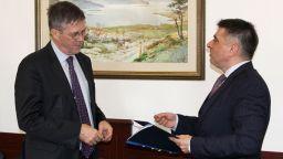 Австралия: Полфрийман ще получи паспорта си след приключване на делото