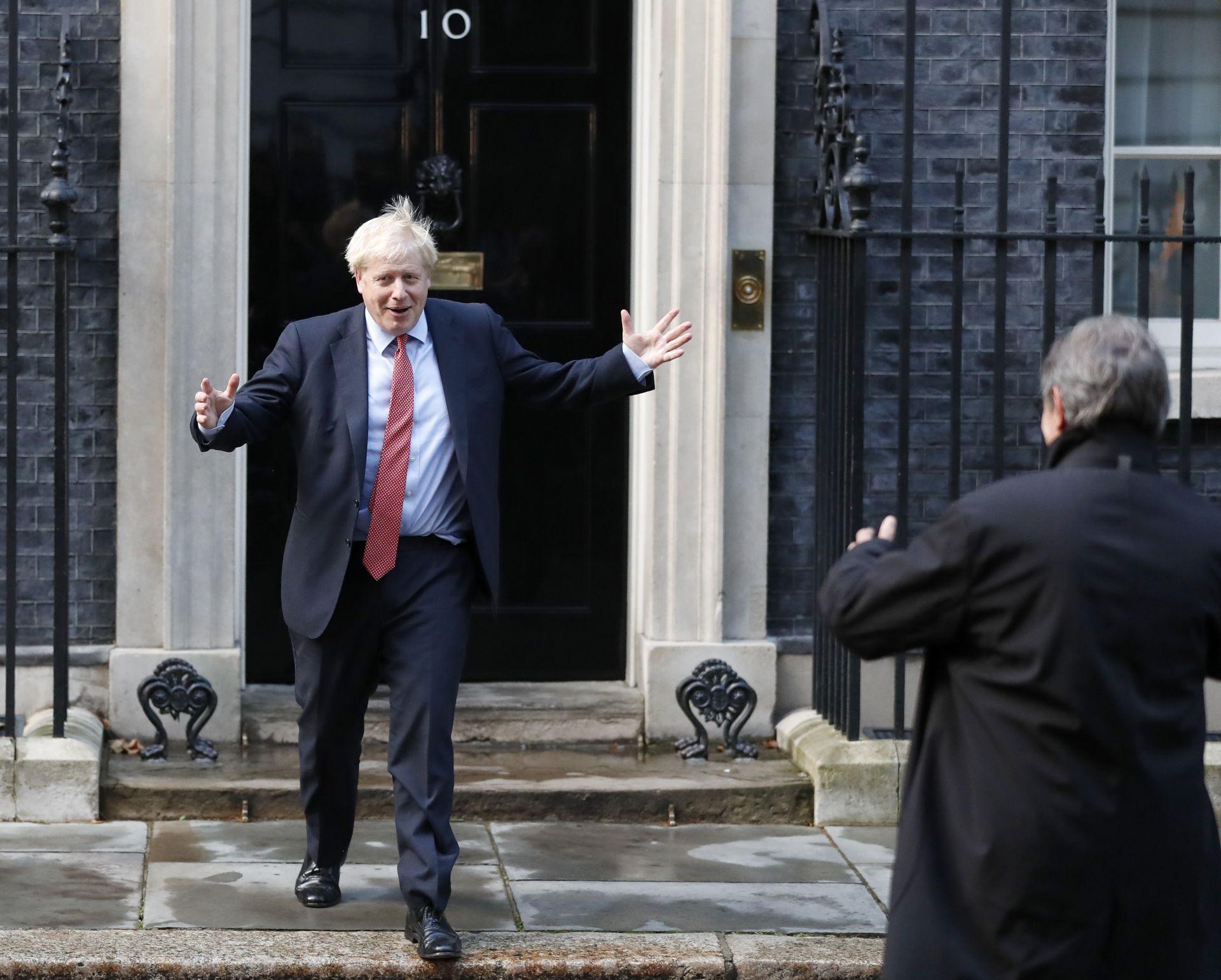 Борис Джонсън посрещна сърдечно председателя на ЕП Давид Сасоли