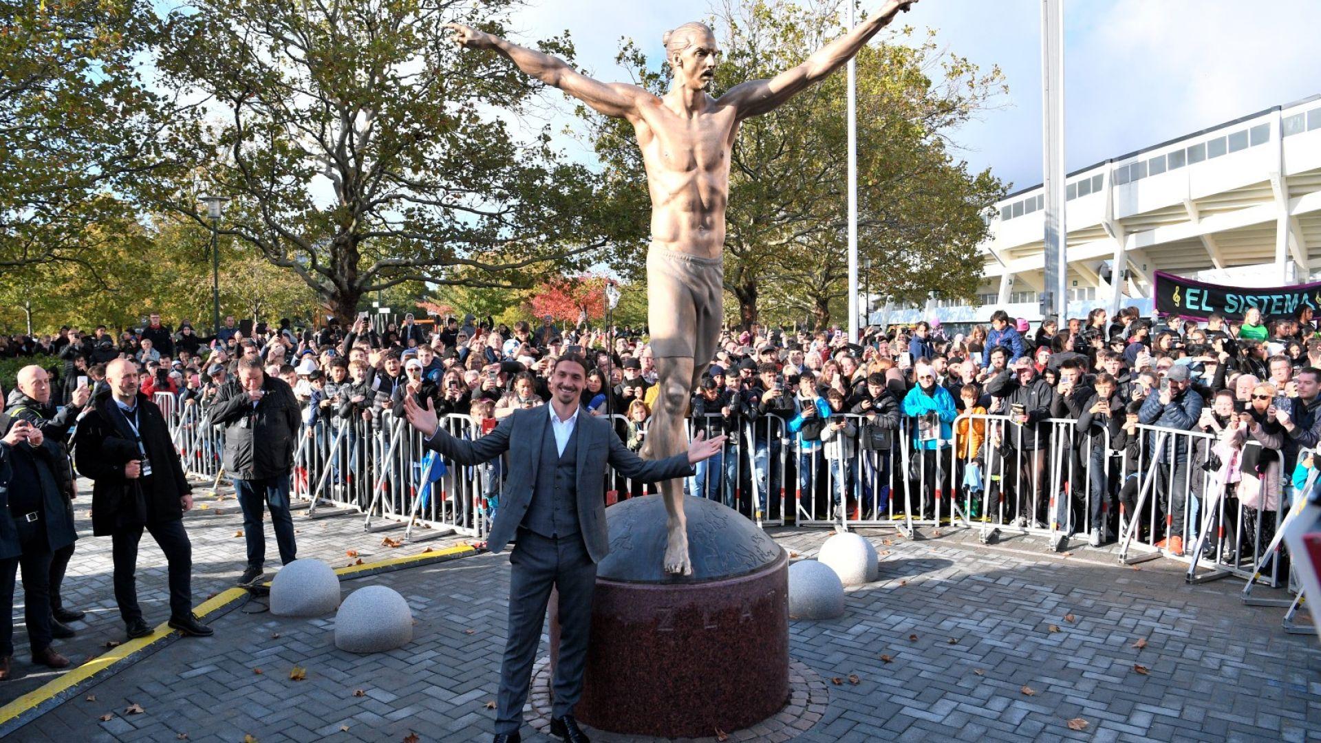 Златан откри собствената си статуя