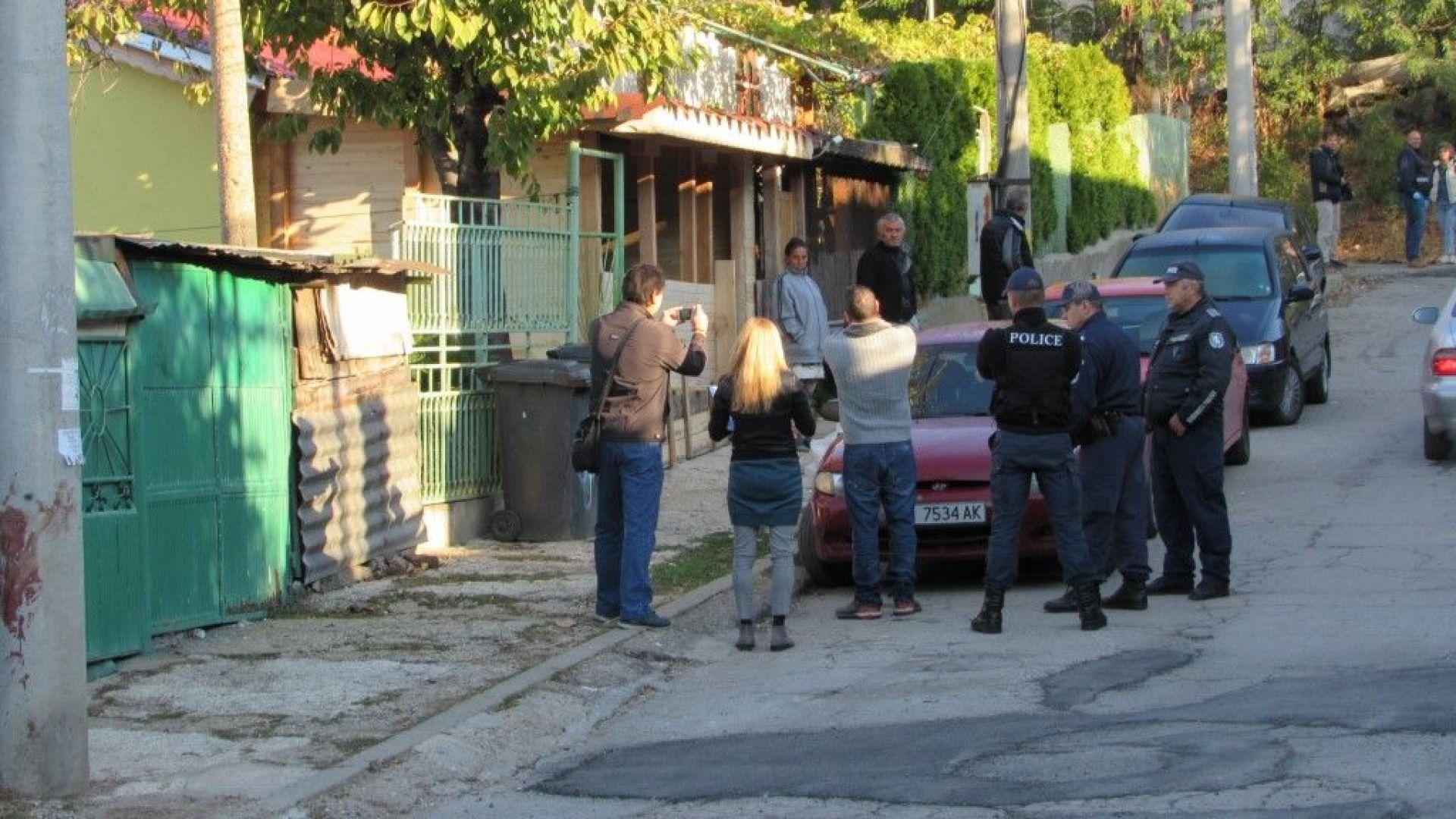 Жестоко убийство в Русе, млад мъж е намушкан 7 пъти в гръб пред дома си