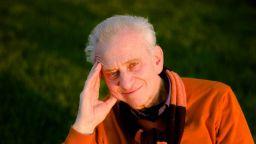 Професор Виктор Чучков посвещава музика на медиците ни