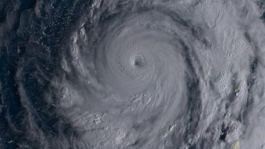 Тайфунът Молаве взе десетки жертви във Виетнам