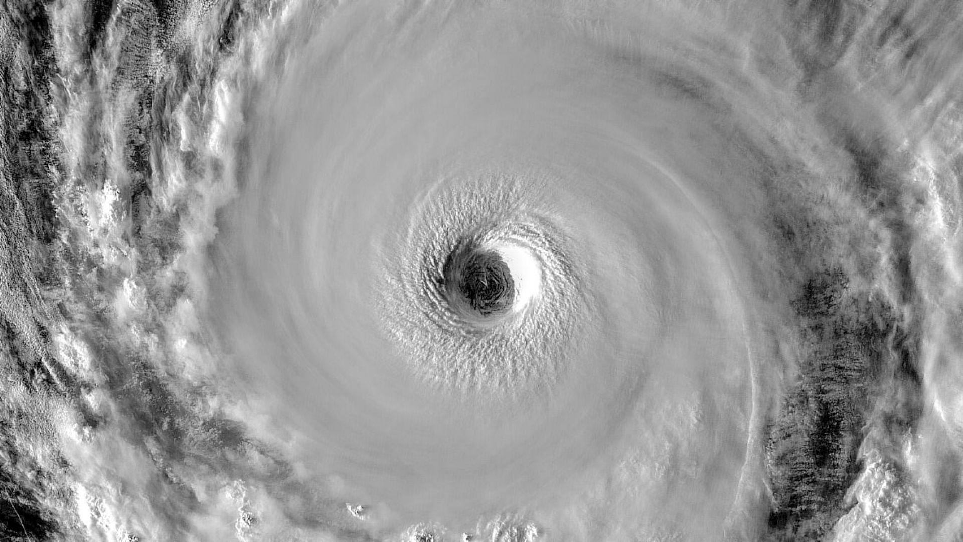 Супертайфунът Хагибис е на път към Токио