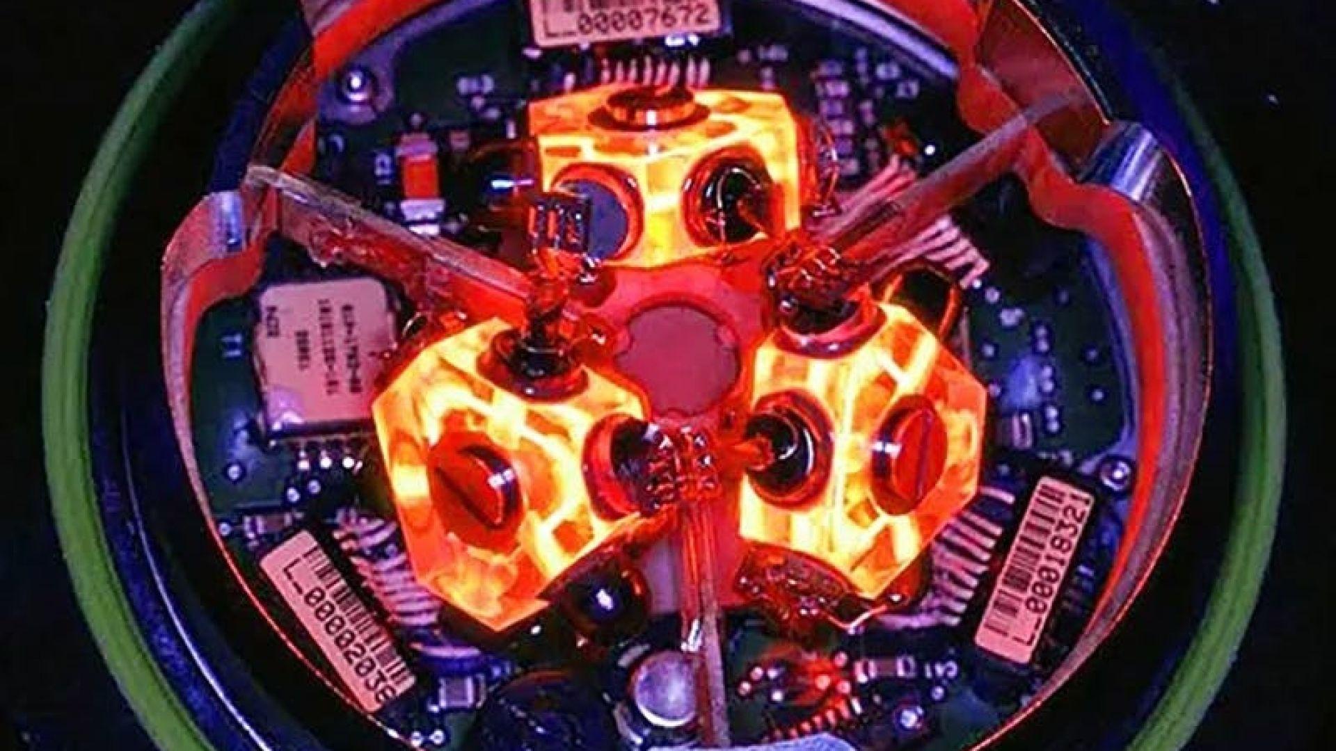 Съвременен лезерен жироскоп, монтиран на редица оръжия