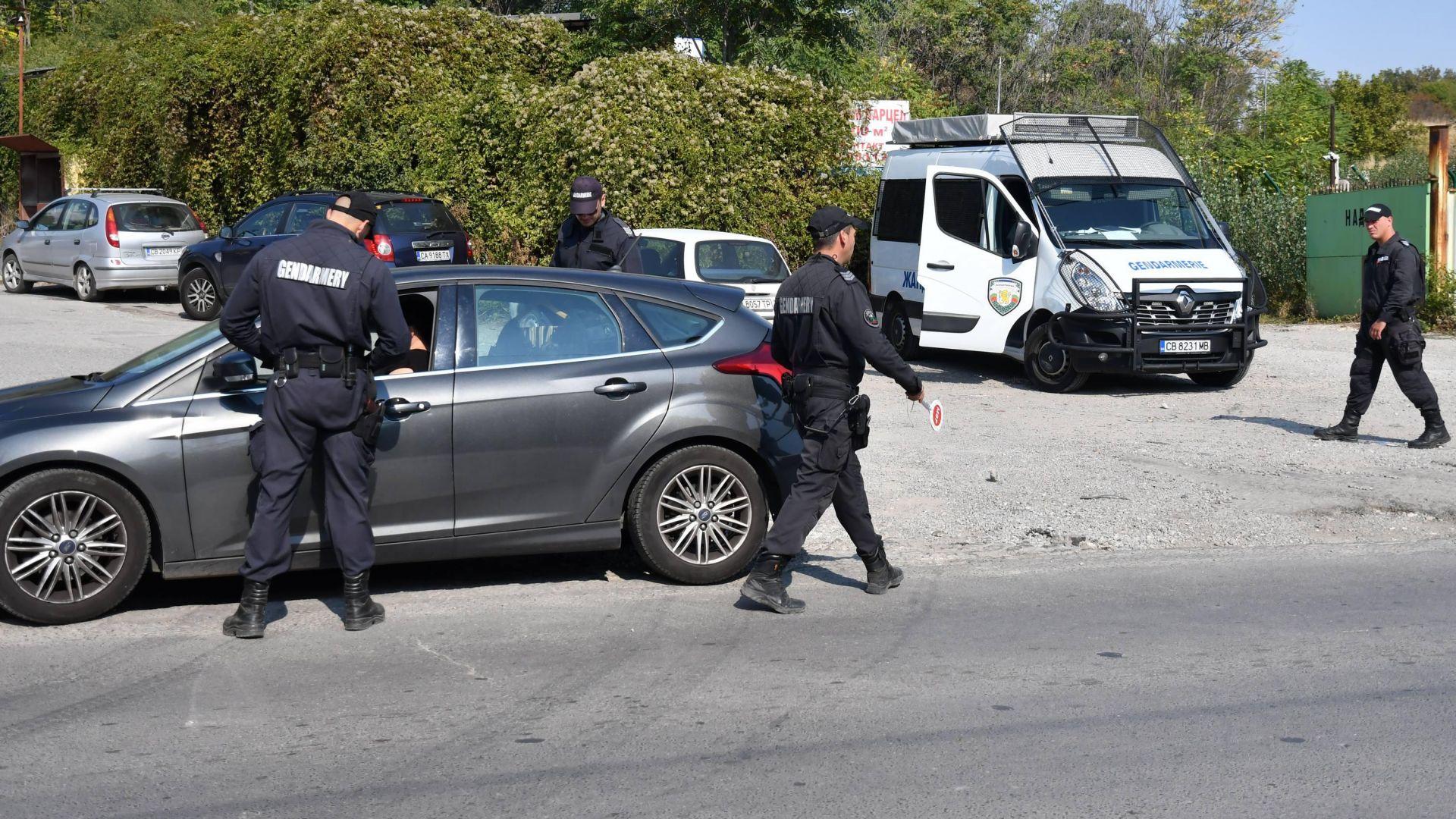 Спецоперация на ГДБОП блокира Бургас, 8 задържани