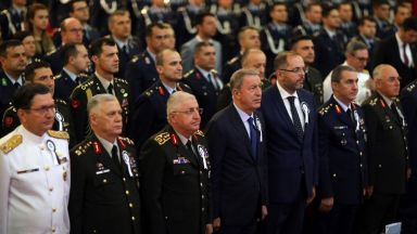 Сирийските кюрди обявиха обща мобилизация срещу турската армия