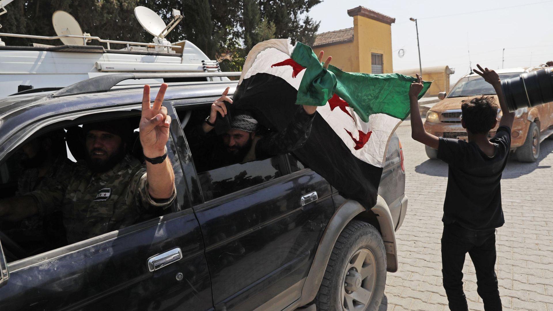 Турция започна въздушни удари в Сирия, очаква се и артилерийски огън