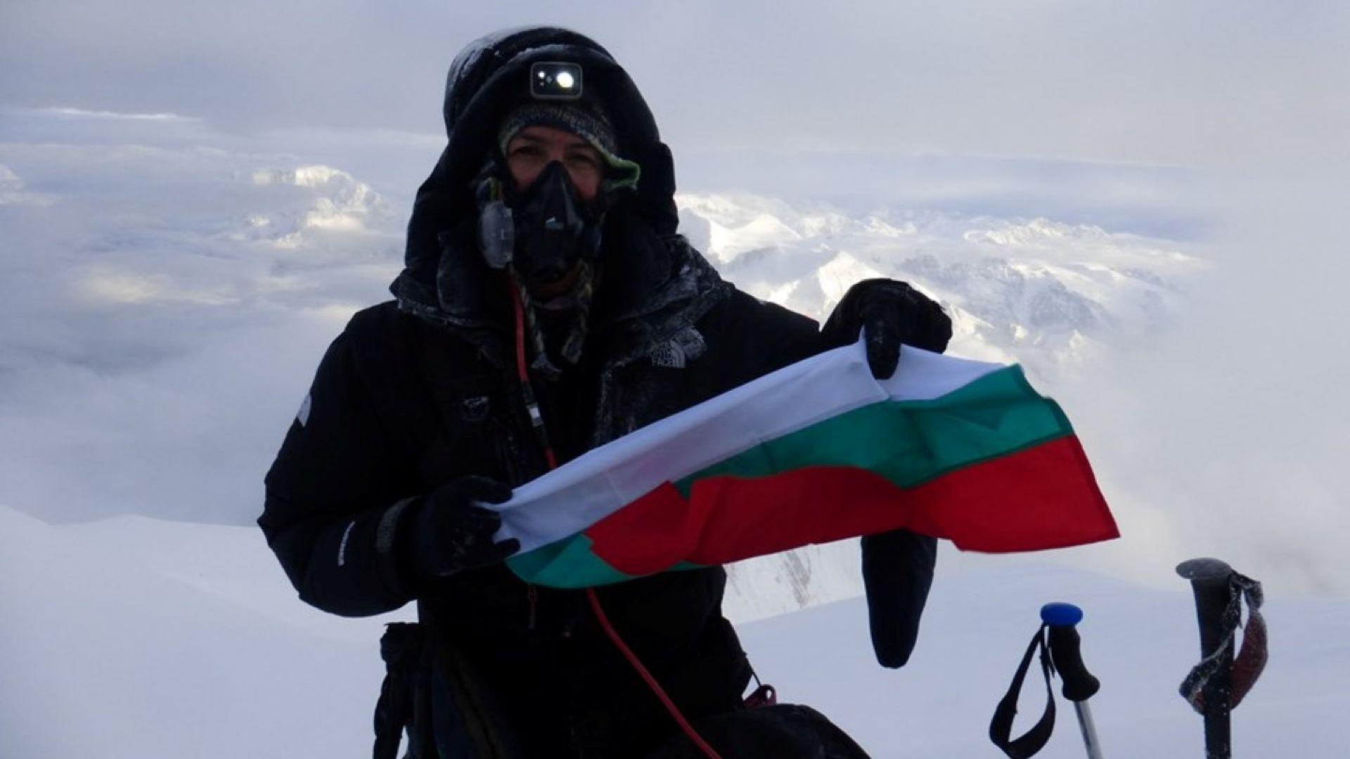 Разказът на Владимир Павлов, който се спусна със сноуборд от осемхилядника Манаслу