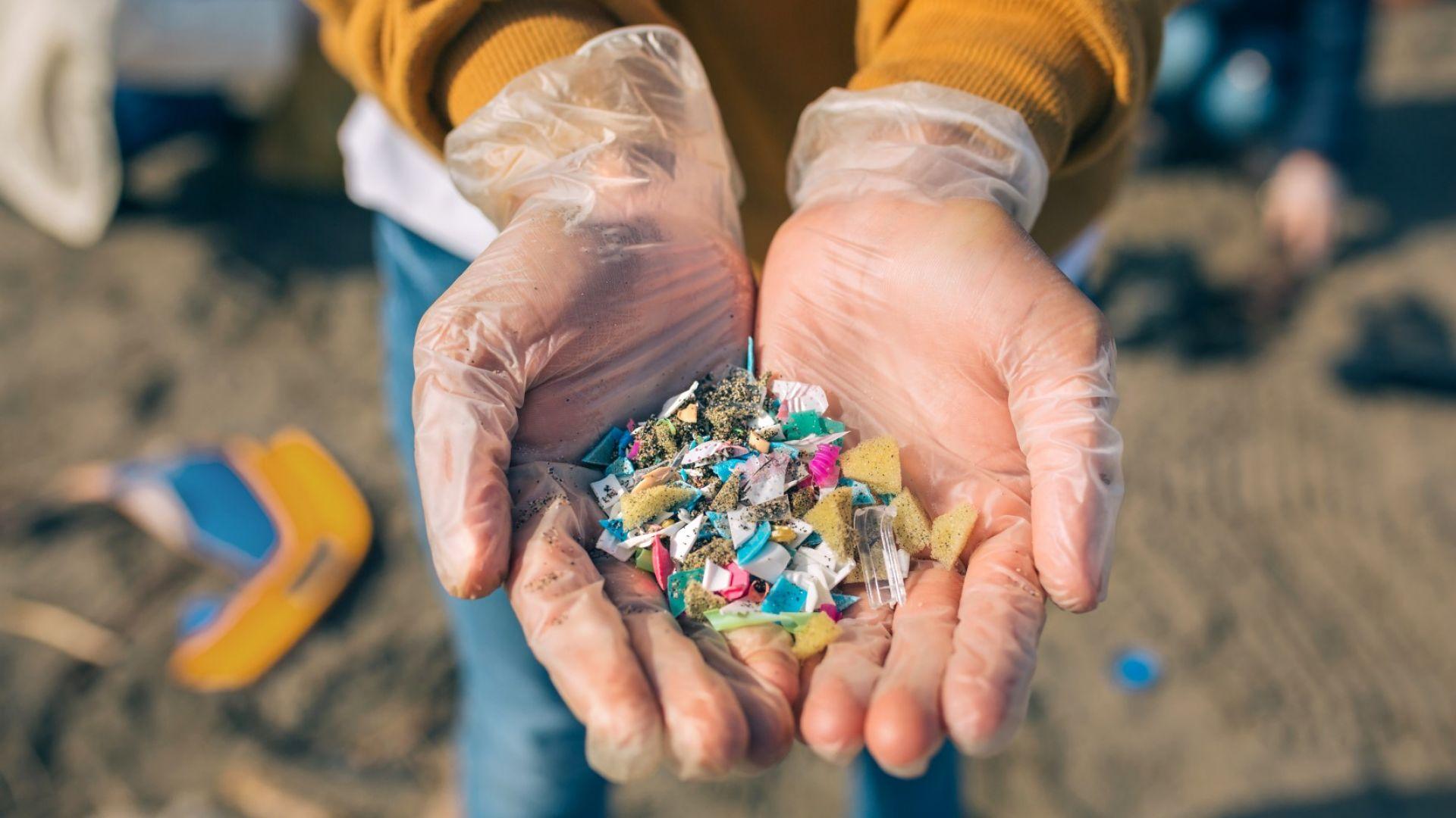 Създадоха ензим, който разяжда пластмасата с удивителна скорост