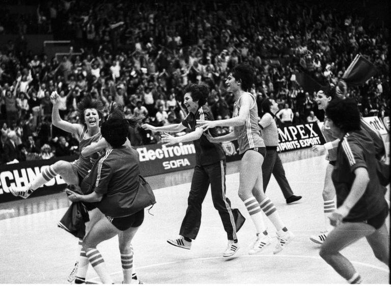 1980 г., България - Канада, победа с 1 точка ни праща на Олимпиадата в Москва. А там отборът ни печели сребро