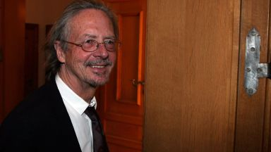 Нобеловият лауреат за литература 2019-а е Петер Хандке