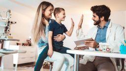 Децата да не плащат за посещение при личен лекар, настояват пациентски организации