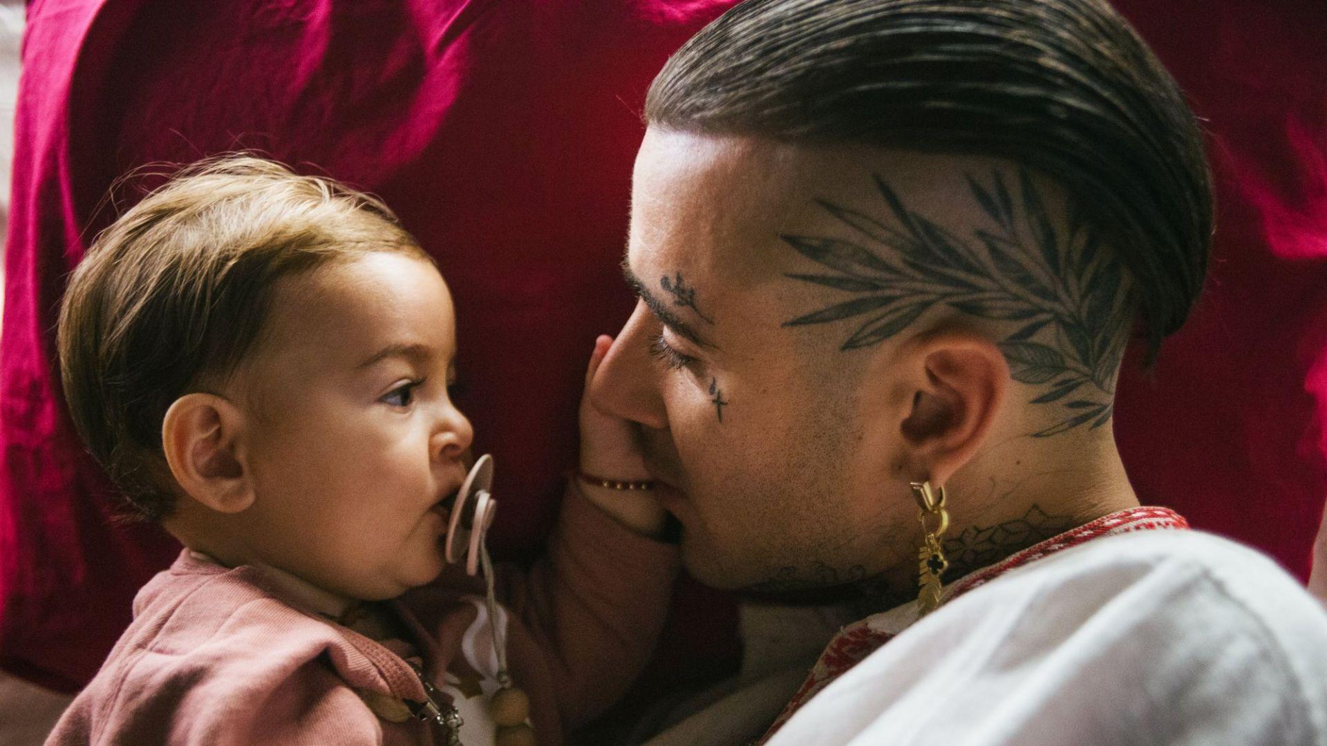 """Бебето на Venci Venc' във видеото към """"Не бих могъл"""""""