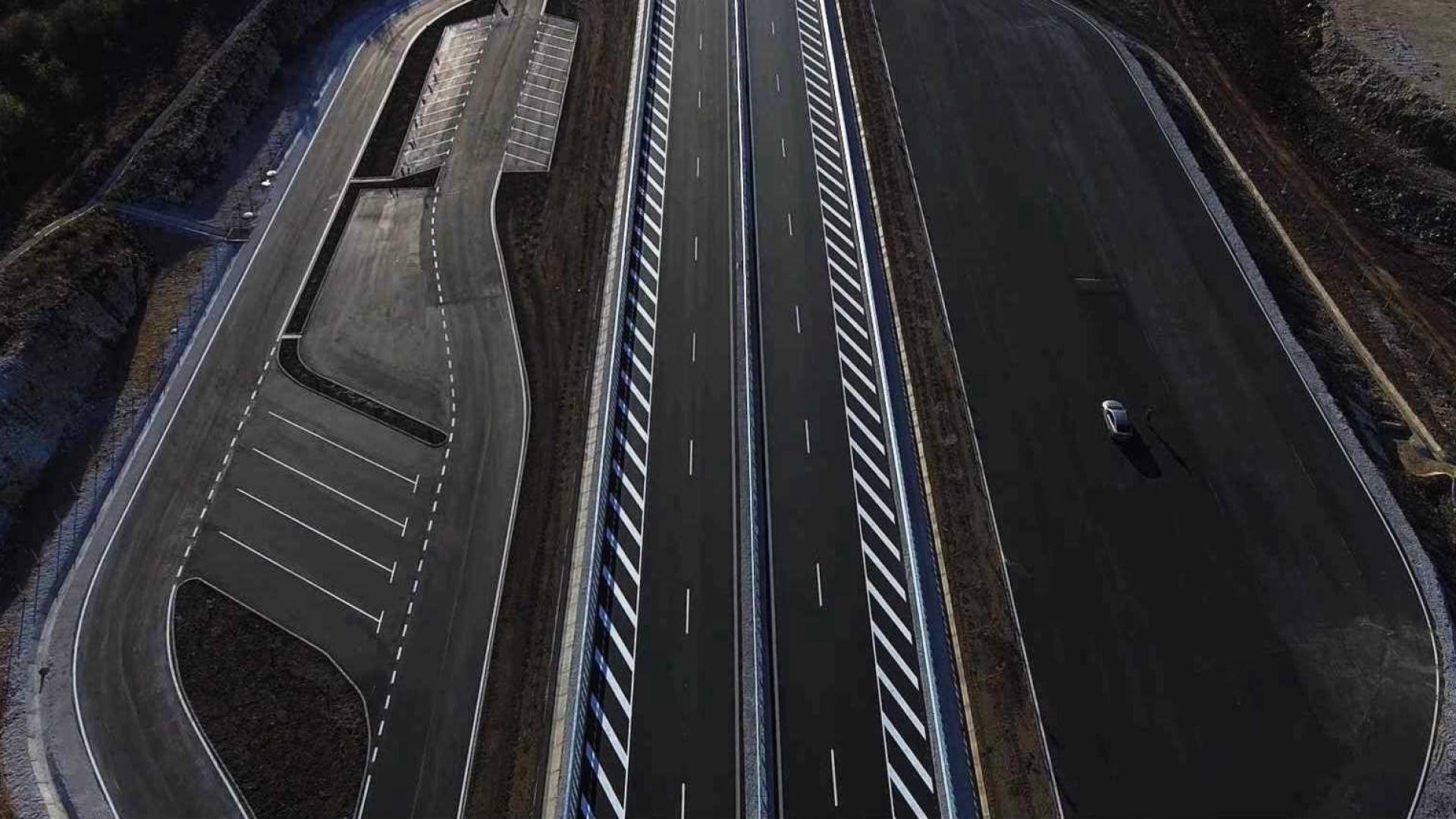 """Пускат движението по нови 9,3 км от магистрала """"Хемус"""" (снимки+видео)"""