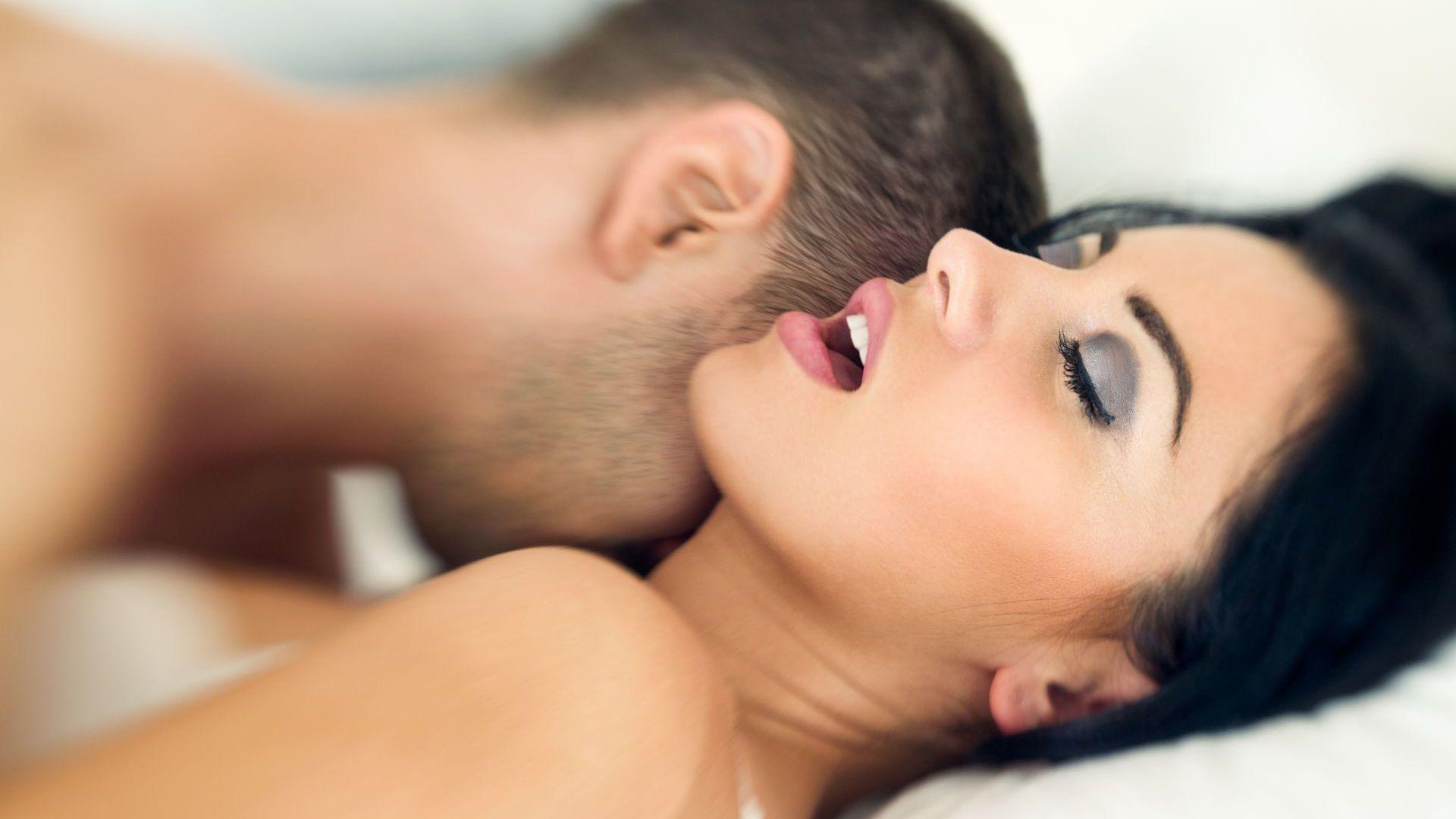 Хетеросексуалните жени се радват на повече оргазми, ако са феминистки