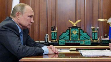 Меркел и Путин искат специален статут за Донбас от Украйна