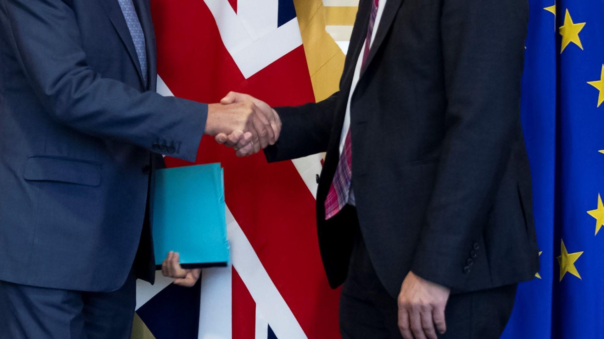 Великобритания и ЕС договориха три кръга от едноседмични преговори за сделка