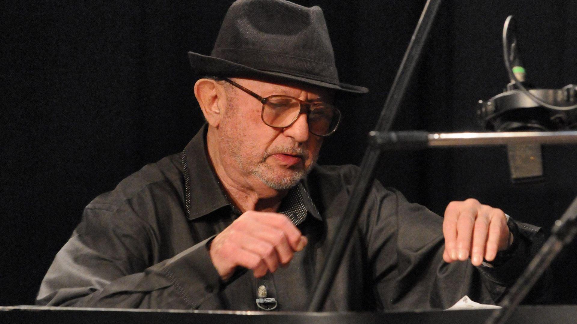 На 83 години си отиде Милчо Левиев. Големият джаз музикант